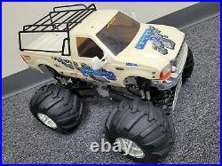 Custom R/C Tamiya 1/10 Juggernaut 2 Ford F350 with Upgrade ESC Futaba Servo 2.4Ghz