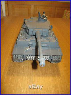 Tamiya RC Panzer Tiger I 116 mit Futaba Skysport 4 Fernsteuerung